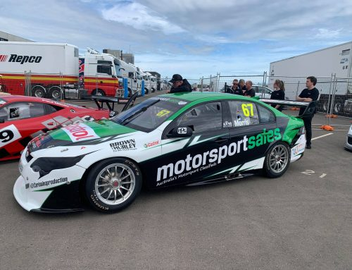Morris Impresses in Supercar Race Debut
